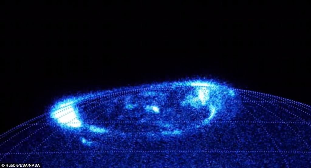 """Tiến sĩ Jonathan Nichols, một nhà khoa học không gian tại Đại học Leicester cho biết: """"Đây là hiện tượng cực quang kịch tính và đẹp nhất mà tôi từng thấy..."""""""