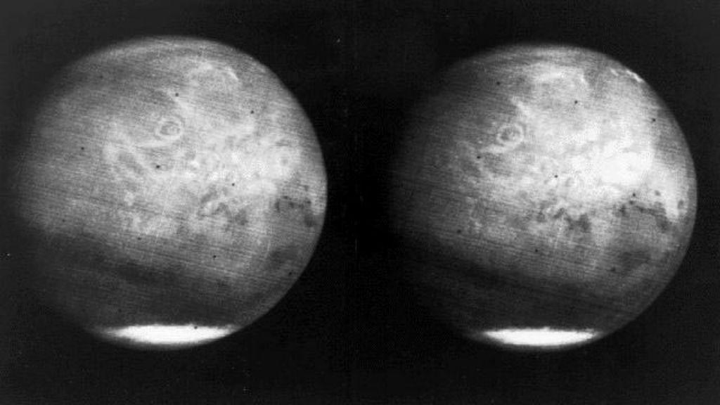 Năm 1969, NASA tiếp tục ghi dấu ấn bằng những bức ảnh chụp sao Hỏa từ tàu Mariner 6 và Mariner 7.