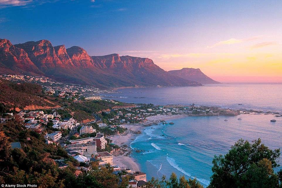 Cape Town (Nam Phi) nổi tiếng là một trong những nơi có hoàng hôn đẹp nhất thế giới