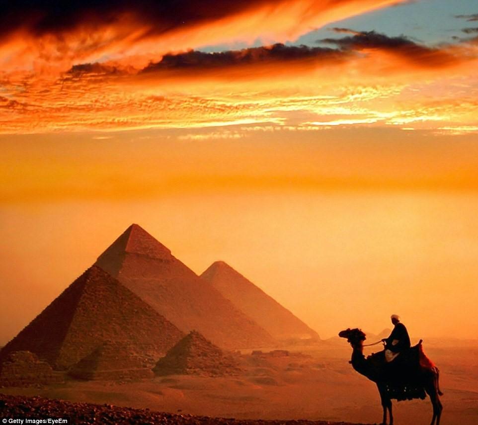 Kim tự tháp vĩ đại Giza ở Cairo, Ai Cập