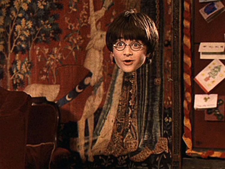 Rất khó để có được chiếc áo tàng hình giống của Harry Potter.
