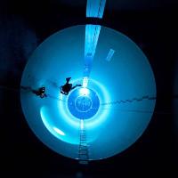 Bên trong bể bơi sâu nhất thế giới