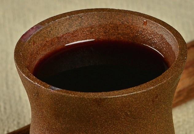 Uống máu người để điều trị bệnh động kinh là một điều vô cùng rùng rợn. Đây là một cách thức chữa bệnh kỳ quái của người La Mã.