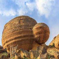 Bí ẩn thung lũng với những khối đá kỳ dị như lạc vào hành tinh khác