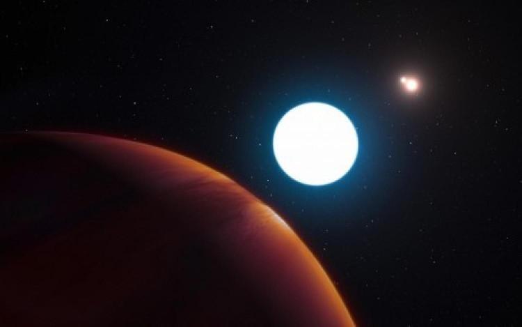 Đây là hành tinh khí khổng lồ, giống như Sao Mộc nhưng chỉ có điều nó lớn hơn Sao Mộc 4 lần.
