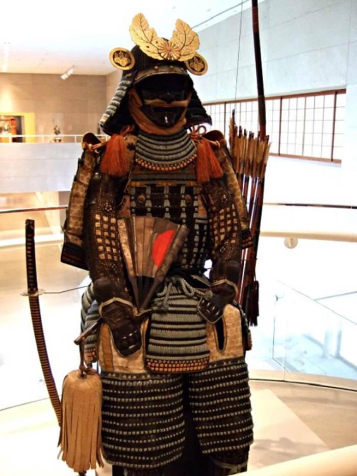 Bộ giáp của các võ sĩ Nhật Bản trong thời kỳ đầu Edo (đầu thế kỷ 17).