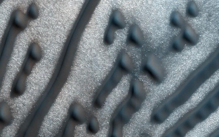 Những đoạn mã Morse bí ẩn trên bề mặt sao Hỏa.