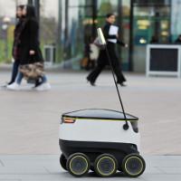 Robot biết giao đồ ăn tại 4 thành phố lớn trên thế giới