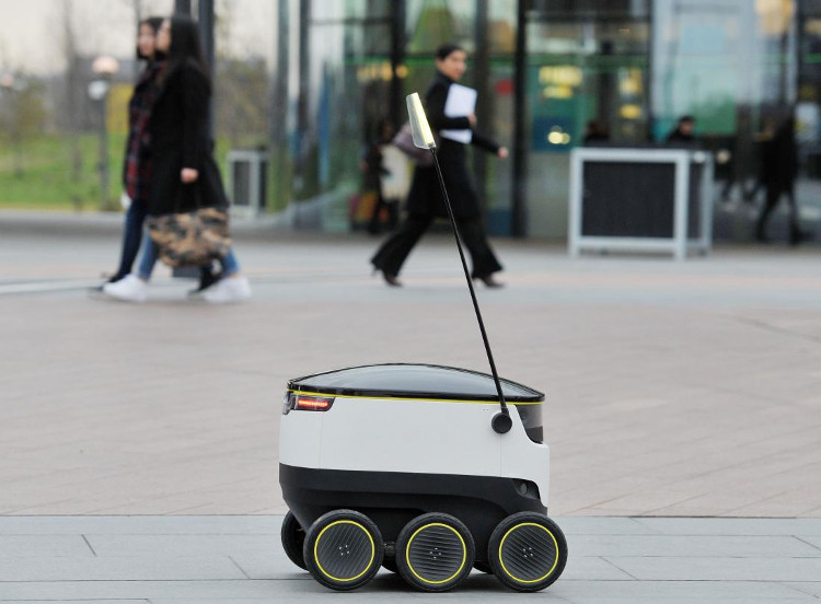 Các robot tự hành không giống với xe hơi tự lái.