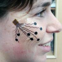"""Các nhà khoa học Israel chế tạo ra loại """"hình xăm"""" giúp theo dõi nét mặt"""