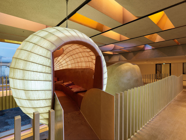 Omicron có thiết kế đột phá với phòng làm việc và nghỉ ngơi hình tròn ngộ nghĩnh.