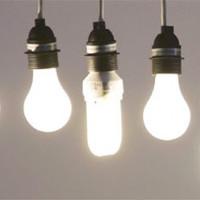 Ngồi quá lâu dưới bóng đèn điện sẽ khiến bạn già đi nhanh chóng