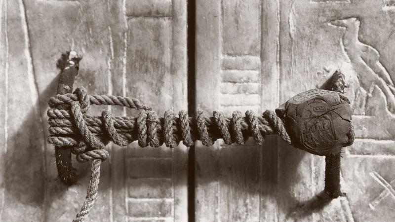 Ấn khóa lăng mộ của pharaoh Tutankhamun.
