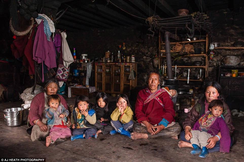 Tuy nhiên, những năm gần đây, Vương quốc Bhutan đang trên đà phát triển, cuộc sống của người Brokpa cũng bị tác động ít nhiều.