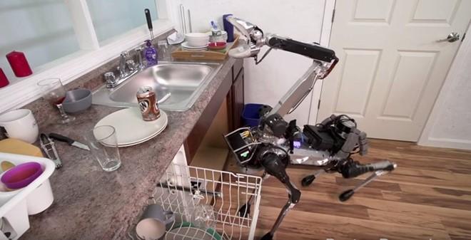 Robot trợ giúp việc nhà
