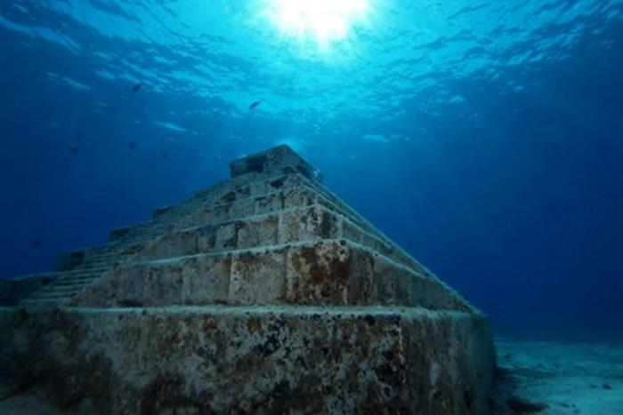Đến nay, giới nghiên cứu vẫn chưa xác định được chủ nhân của kim tự tháp bí ẩn này