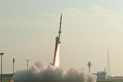 Bộ Quốc phòng Mỹ đưa ra ba tên lửa Terrier-Orion của NASA bay đến Mặt Trăng vào ngày 15 tháng 1 năm 2014.