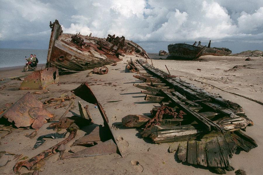 Người ta cho rằng những tác động đến lớp băng vĩnh cửu và sự phá huỷ đáy biển đã giải phóng ra lượng cát khổng lồ trên.