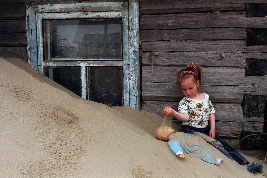 Có khi gió có thể thổi cát cao đến tận mái nhà chỉ trong vòng có một đêm.
