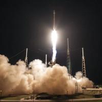 SpaceX lần thứ 9 phóng thành công tên lửa lên trạm ISS