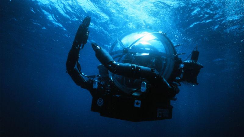 Deep Rover, một tàu lặn một người lái khác của Nuytco Research.