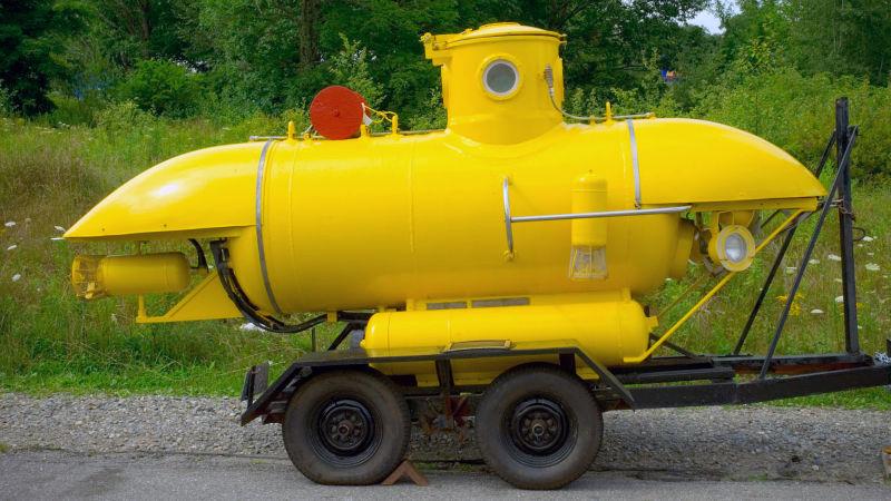 Tàu lặn một người lái K-250 được thiết kế bởi cựu đại tá Mỹ George Kittredge trong những năm 60.