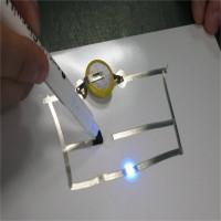 AgIC Silver Ink: Bút có mực bằng bạc để vẽ các đường mạch thay cho dây điện