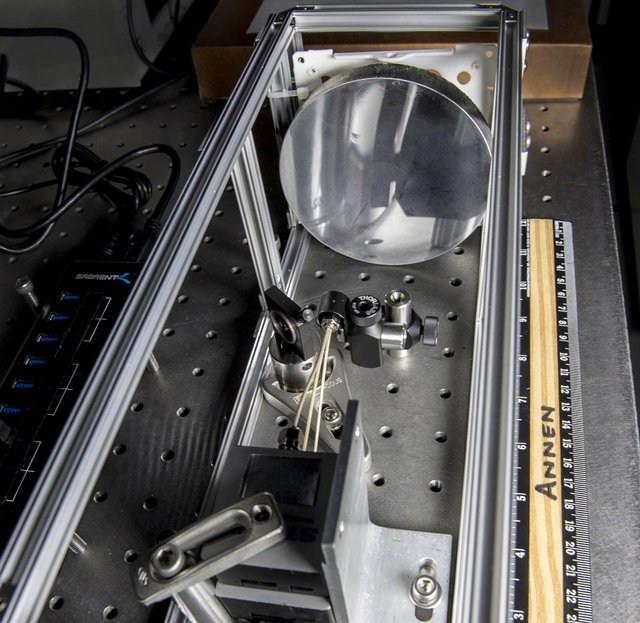 Đây là một trong những chiếc kính thiên văn đầu tiên có gương được thiết kế bởi những ống nano nhỏ bằng carbon.