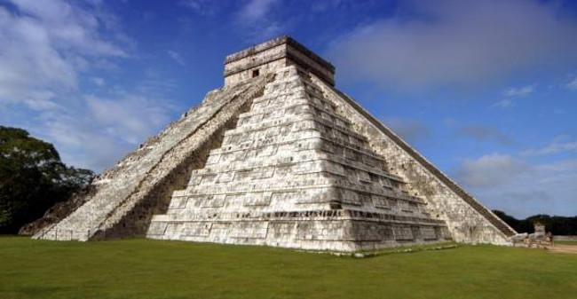 Đài thiên văn Chichén Itzá của người Maya