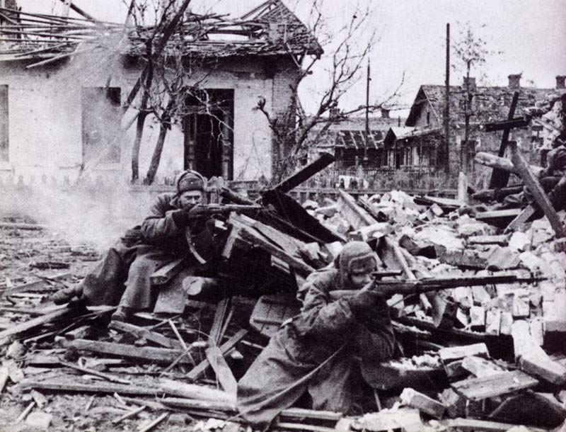 Trận Stalingrad là trận chiến đẫm máu nhất lịch sử nhân loại cũng như trong Chiến tranh thế giới 2.