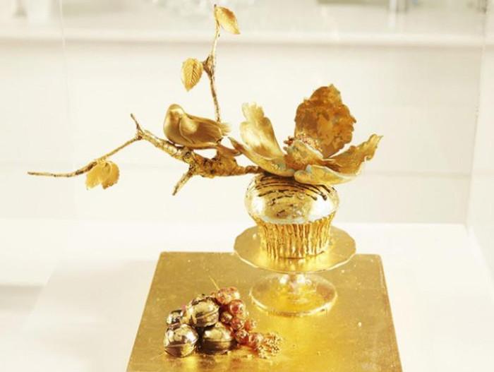 Chiếc cupcake của giới siêu giàu - giá 1.300 USD/chiếc (khoảng 27 - 28 triệu đồng).