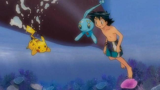 Cậu nhóc Satoshi thật sự rất gan dạ khi dám đi bơi cùng với Pikachu.