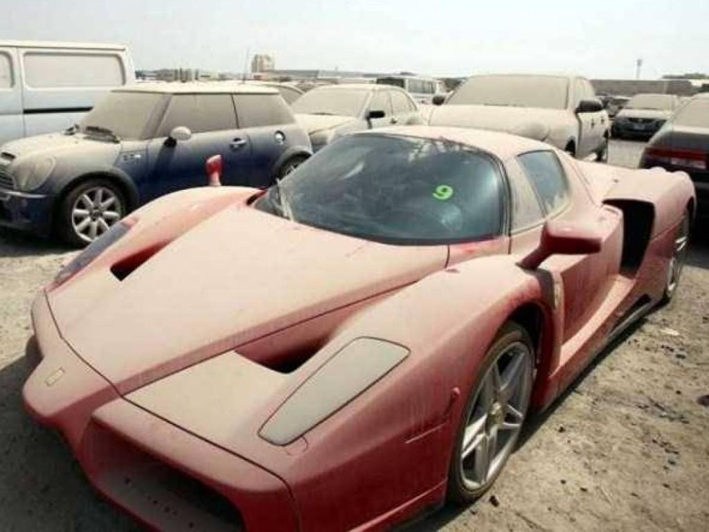 """Dubai còn nổi tiếng với """"Khu mộ của những siêu xe""""."""