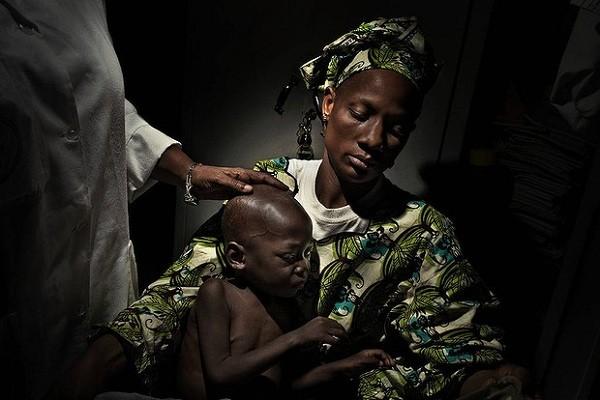 Chiếc vòng này sẽ là cách kín đáo và lâu dài để giúp phụ nữ, trẻ em - đặc biệt là nữ giới ở châu Phi bảo vệ mình khỏi nhiễm bệnh