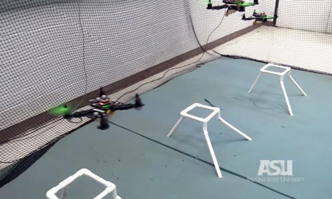 Thiết bị bay không người lái được điều khiển cùng lúc tại Đại học Arizona.