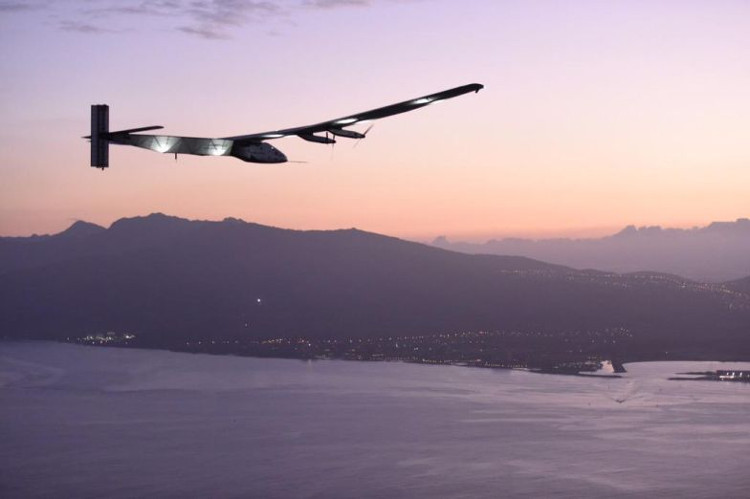 Máy bay Solar Impulse 2.