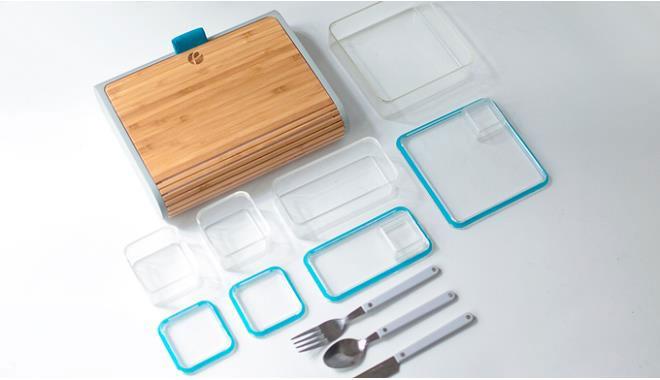Bộ sản phẩm này còn bao gồm dao, dĩa và thìa có thể dính với nhau bằng từ tính.