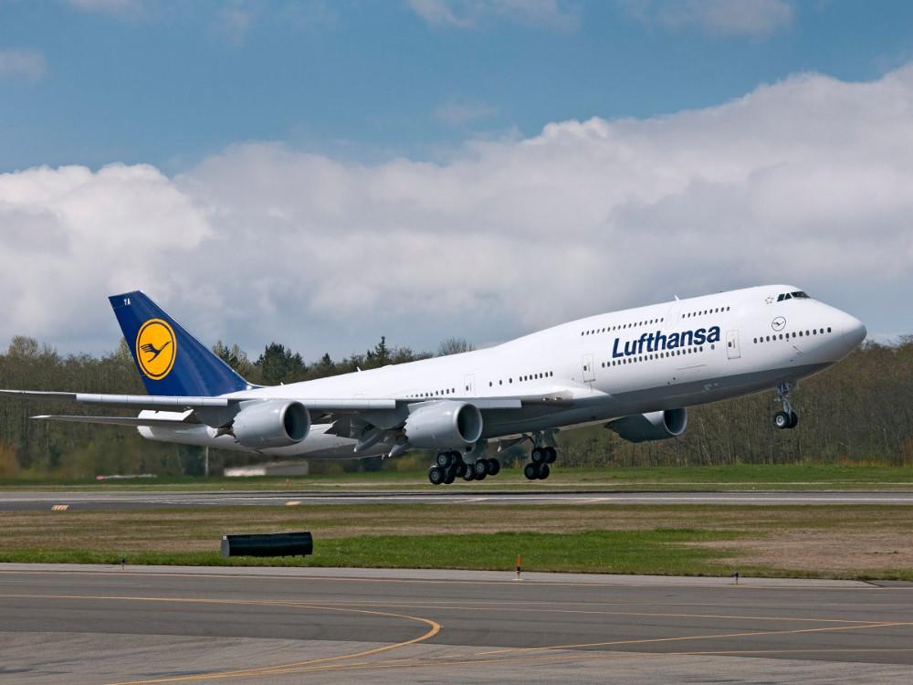...của Lufthansa (Đức)...