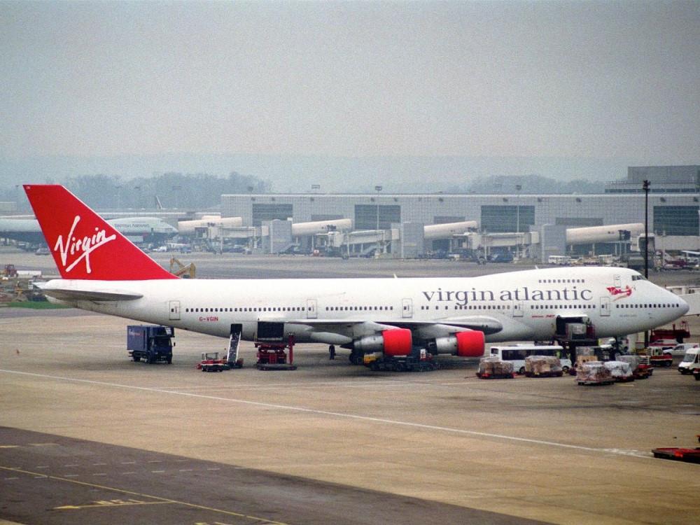 Đến thập niên 1970, hai loại tàu bay mới có thân rộng và ba động cơ của Boeing xuất hiện là Lockheed L-1011 và McDonnell Douglas DC-10.
