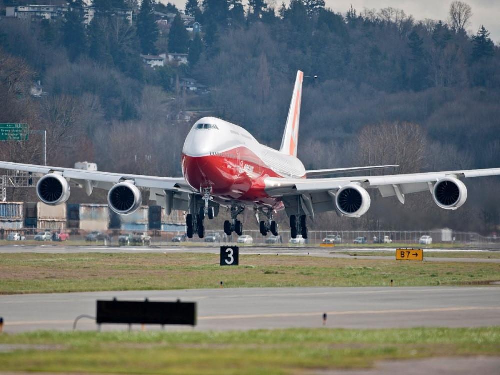 Một thập niên sau, Boeing cập nhập mẫu 747 lần nữa.
