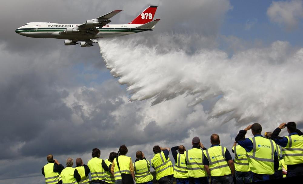 Hơn bốn thập niên, 747 được triển khai, cải tiến theo nhiều cách khác nhau.