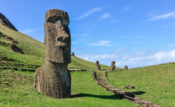 Các nhà khoa học đang thử nghiệm loại thuốc tự nhiên rapamycin tìm thấy dưới đầu tượng khổng lồ trên đảo Phục Sinh.