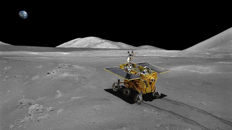 Robot Thỏ Ngọc trên bề mặt Mặt Trăng.