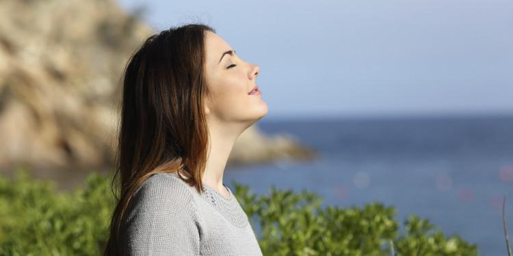 Hít thở sâu tốt cho sức khỏe.