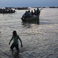 Các loài cá tại hồ sâu nhất châu Phi ngày càng khan hiếm