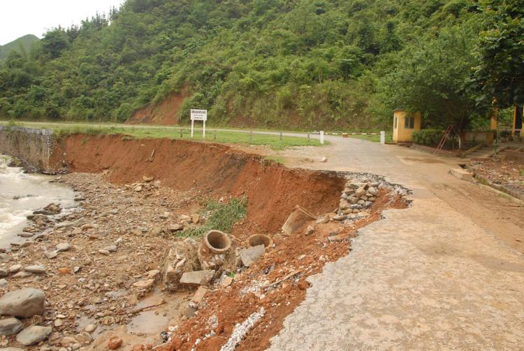 Mưa lớn kéo dài có khả năng gây ra lũ quét trên các sông suối nhỏ, ngập úng ở vùng trũng.