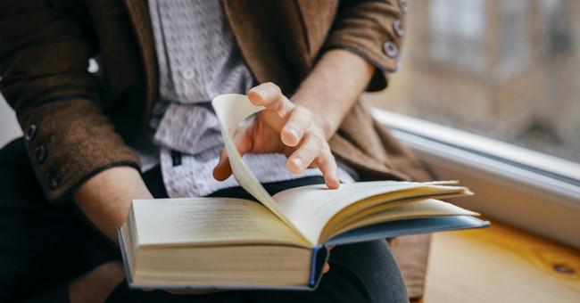 Sức khỏe đời sống-Muốn sống lâu, hãy đọc sách nhiều hơn