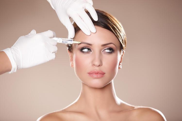 Botox có thể gây ra những triệu chứng đe dọa đến mạng sống như gây khó khăn trong việc thở và nuốt.