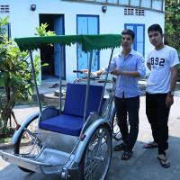 Xích lô chạy bằng năng lượng mặt trời của 3 chàng sinh viên Đà Nẵng