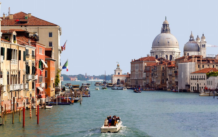 Venice, một trong những Di sản thế giới nổi tiếng được UNESCO bình chọn.